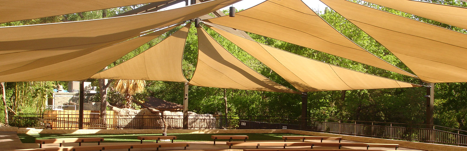 shade for outdoor zoo auditorium